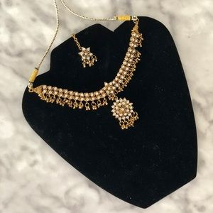 Indian Necklace with Tikka